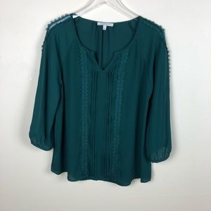 41 Hawthorn | Green Blouse Spanish Hem